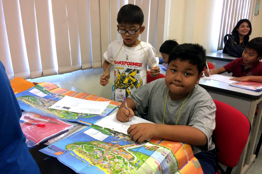 Spot and Learn - Thai Elementary Student Holiday English Program