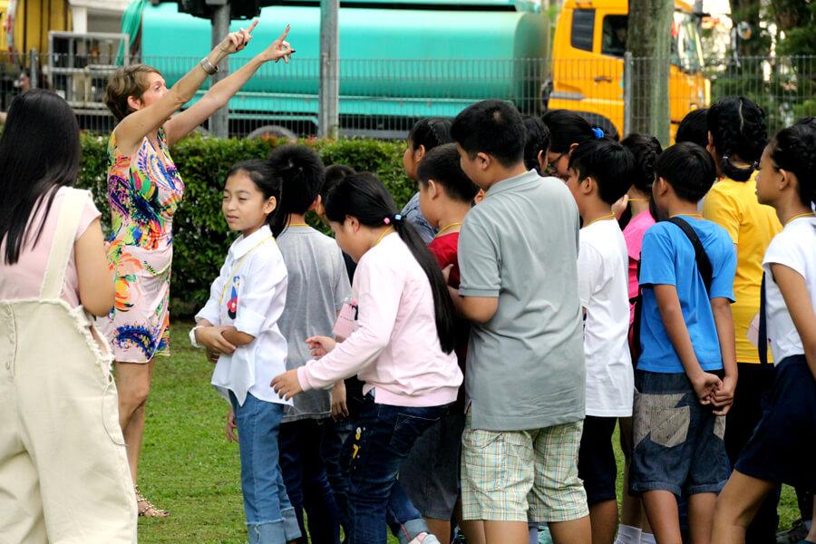 Forming Group - Thai Elementary Student Holiday English Program