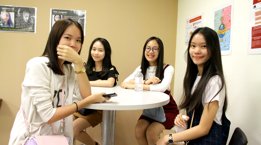 Students From Laos Visiting TMC Singapore