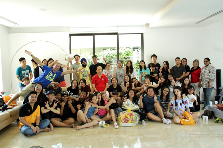 Group Photo in Dr.Chin's House