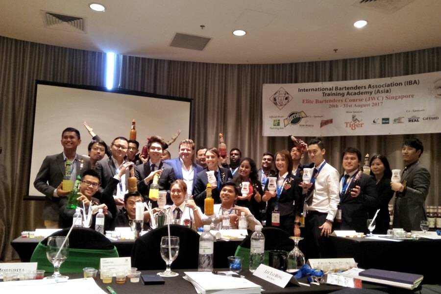 Highlights - Elite Bartenders Course