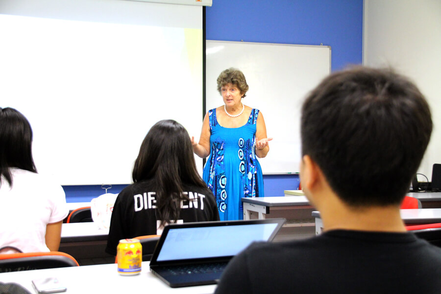 A Morning Lecture By Lidia Douglas From UN